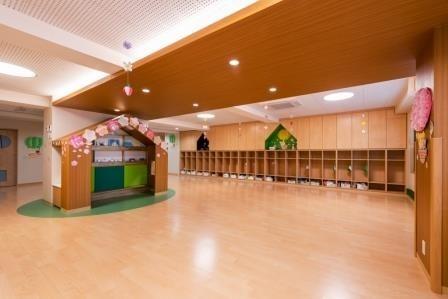 いろはな保育園本八幡東(保育士の求人)の写真1枚目:綺麗な園舎です☆