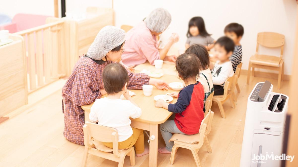 ベビーステーション下丸子(管理栄養士/栄養士の求人)の写真1枚目:食材はすべて国産を使用し、バランスの良い食事で子どもたちの成長を支援しています