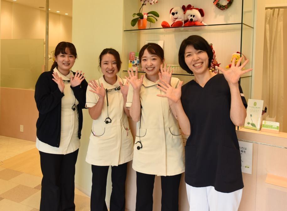 かとう歯科・矯正歯科(歯科衛生士の求人)の写真1枚目:患者さんとのコミュニケーションを大切に、笑顔でお迎えし、笑顔でお帰りいただきます