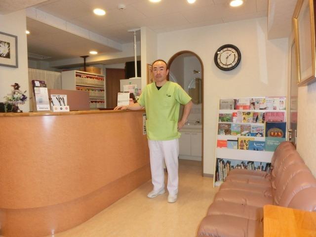 もろ歯科医院の画像