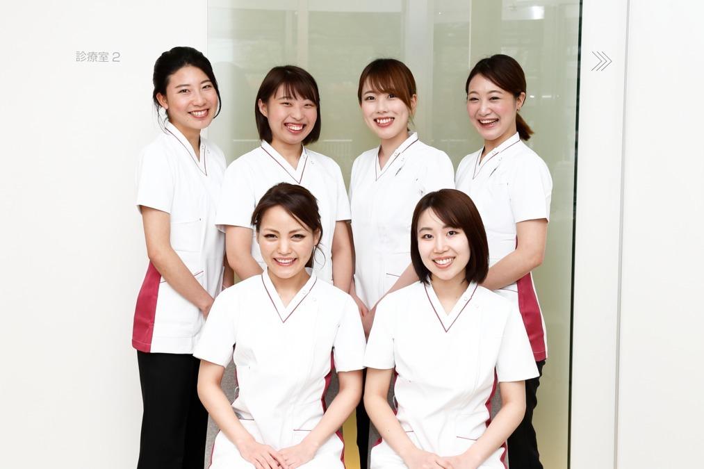 安岡デンタルオフィス(歯科助手の求人)の写真1枚目:医療業界未経験でも安心してください。一から丁寧にお仕事をお伝え致します。