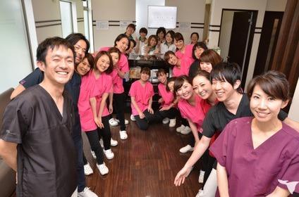 医療法人章敬会 Carna Dental Clinic(歯科医師の求人)の写真1枚目: