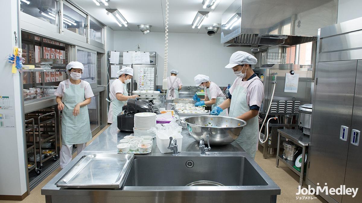 千丸台保育園の写真10枚目:あたたかく美味しい給食を通じ、食育にも力を注ぎます