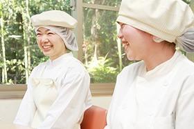三惠フードサービス株式会社 京都きづ川病院内の厨房の画像