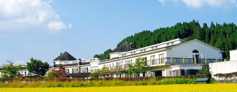 介護老人保健施設ケアポート渓和(介護職/ヘルパーの求人)の写真:明るく家庭的な雰囲気が特徴の施設です