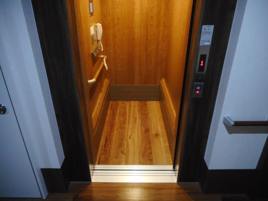 アットホーム七夢郡本【2018年11月01日オープン】の写真15枚目:エレベーターです。