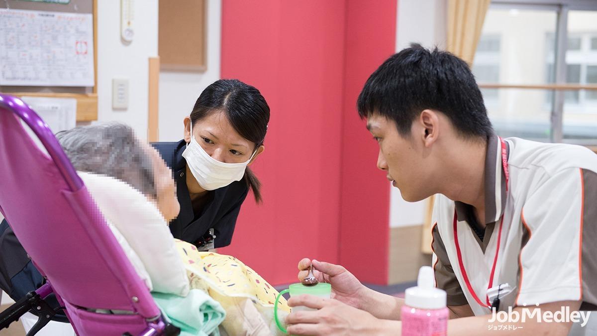 介護付き有料老人ホームアレンジメントケア箱根仙石原(看護師/准看護師の求人)の写真1枚目:資格や技術だけでなく心のこもった寄り添うケアを行っています