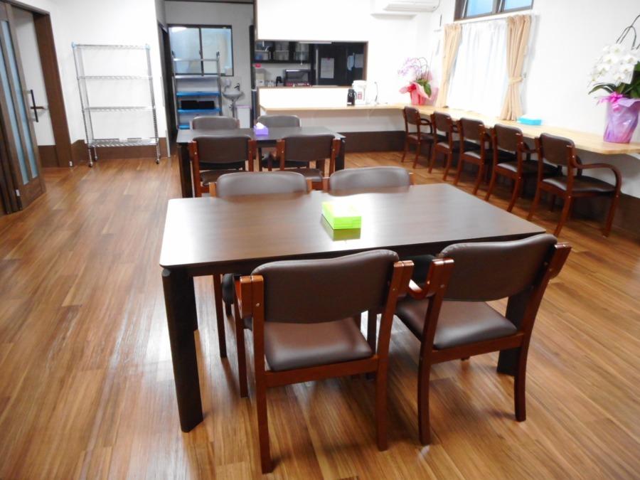 アットホーム七夢郡本【2018年11月01日オープン】の写真6枚目:食堂、リビングです。