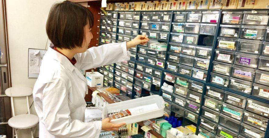 とちの木薬局 清原台店(薬剤師の求人)の写真:患者様が安心して服用できるよう丁寧な服薬指導を心がけています