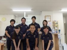 グレーススポーツ整骨院(鍼灸師の求人)の写真:向上心の高いスタッフが一丸となって親切・丁寧な治療を提供しています