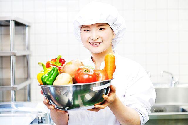 名阪食品株式会社 「特別養護老人ホームパルハウスくさべ」内の厨房の画像