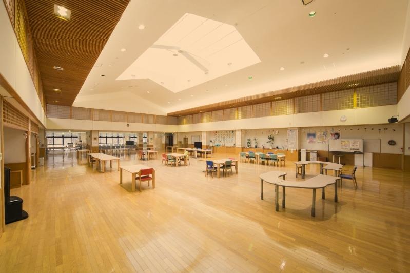 特別養護老人ホームおおうちの写真1枚目:当ホームの食堂・機能回復訓練室です