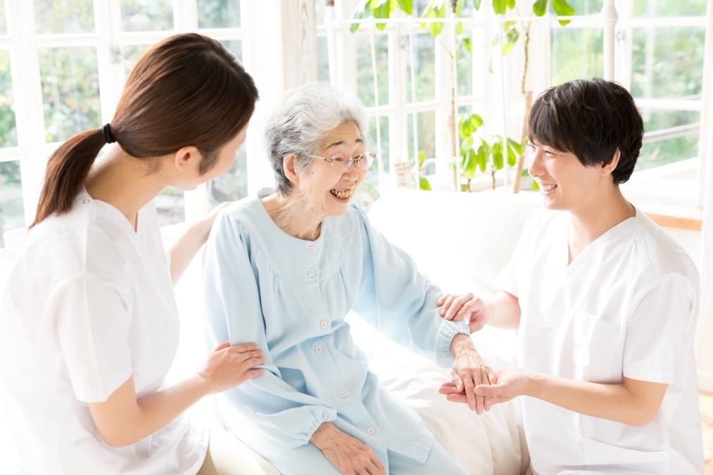 訪問看護リハビリステーション白樺(理学療法士の求人)の写真:    和と笑をつなぐ、在宅医療の創造を共に