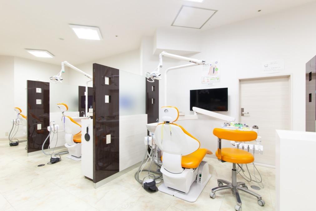 ひかり歯科クリニック枚方院(歯科医師の求人)の写真1枚目:ひかり歯科クリニック枚方院 院内風景