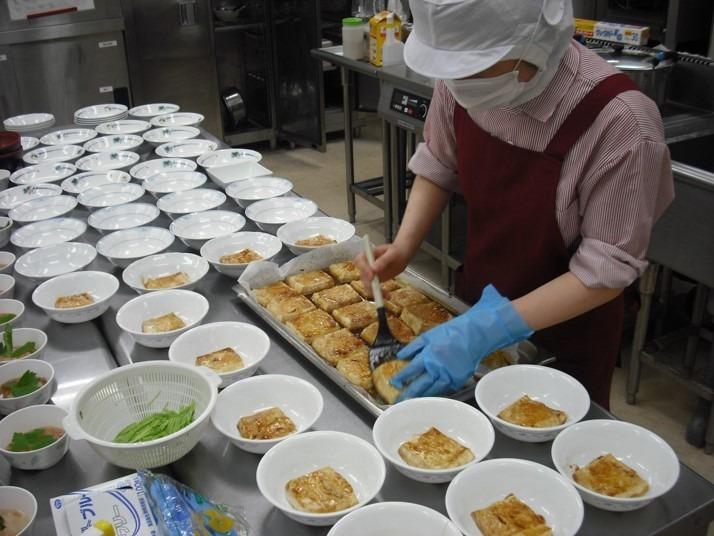 株式会社エポカフードサービス サンライズやまだ内の厨房の画像