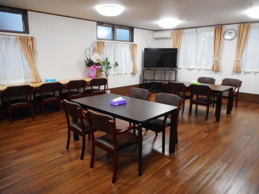 アットホーム七夢郡本【2018年11月01日オープン】の写真5枚目:食堂、リビングです。