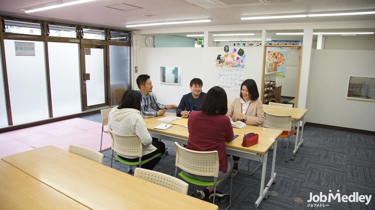 発達改善スクール ハッピーテラス新所沢教室(児童指導員の求人)の写真8枚目:「子ども達は絶対成長する」という信念を持ってお仕事に臨んでいます