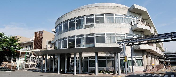 阪南病院(医療ソーシャルワーカーの求人)の写真:阪南病院F棟外観
