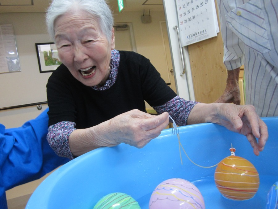 特別養護老人ホーム永生苑(介護職/ヘルパーの求人)の写真1枚目:最高の笑顔をいただいて職員も 大張り切りで盛り上げます♪