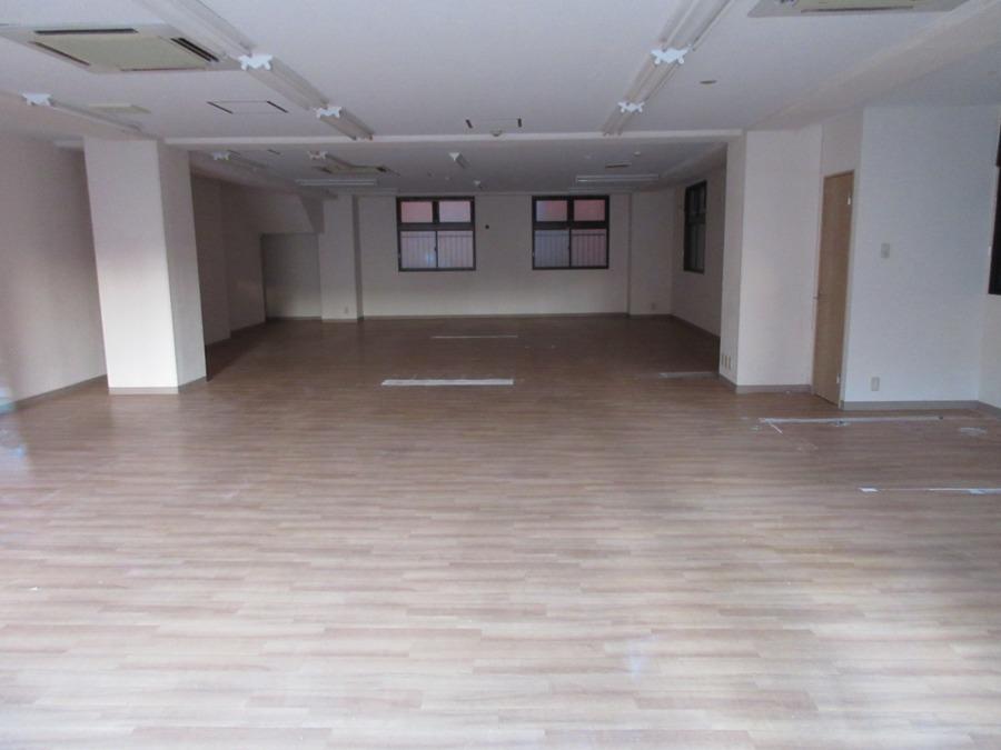 放課後等デイサービス JOY KIDS GO【2020年04月01日オープン】の写真1枚目:教室はとても広々としています