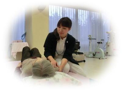 介護老人保健施設アットホーム宮の渡し(介護職/ヘルパーの求人)の写真1枚目:ご入所された皆様が安心できるケアを目指しています