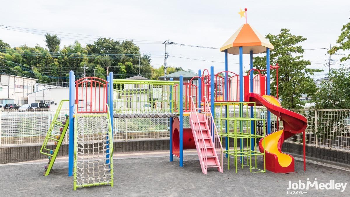 すくすく保育園の写真10枚目:0歳児から5歳児までの定員60名の園児がのびのびと園生活を送っています