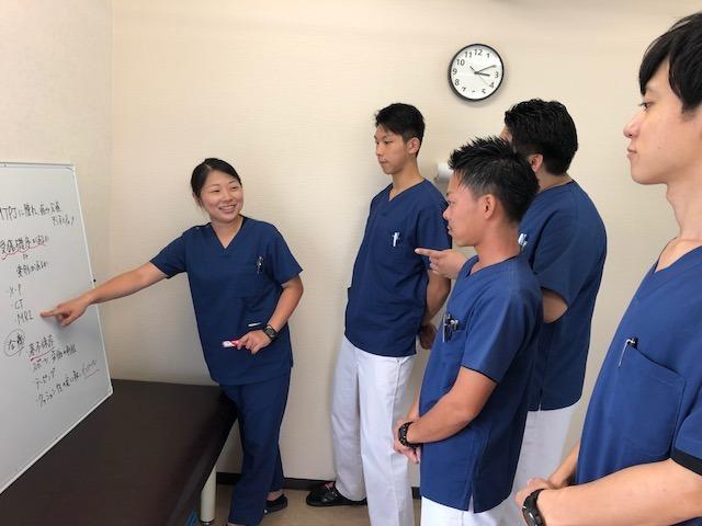 つばめ接骨院(鍼灸師の求人)の写真:平均年齢25才の元気な接骨院です!
