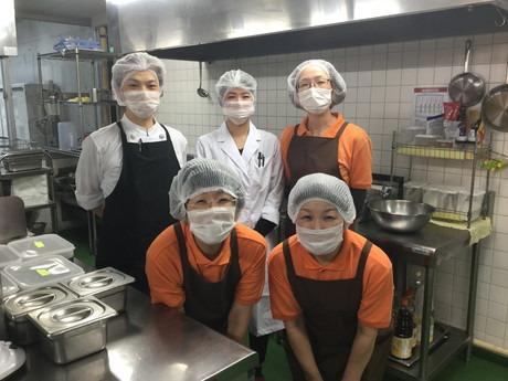 藏ウェルフェアサービス株式会社 あいな清和苑内の厨房の画像