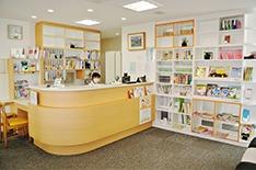 医療法人社団網谷歯科医院(歯科衛生士の求人)の写真:明るく清潔感のある環境でお仕事に励めます