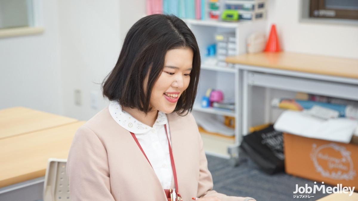 発達改善スクール ハッピーテラス新所沢教室(児童指導員の求人)の写真4枚目:研修やセミナーへの参加も積極的に支援しています!