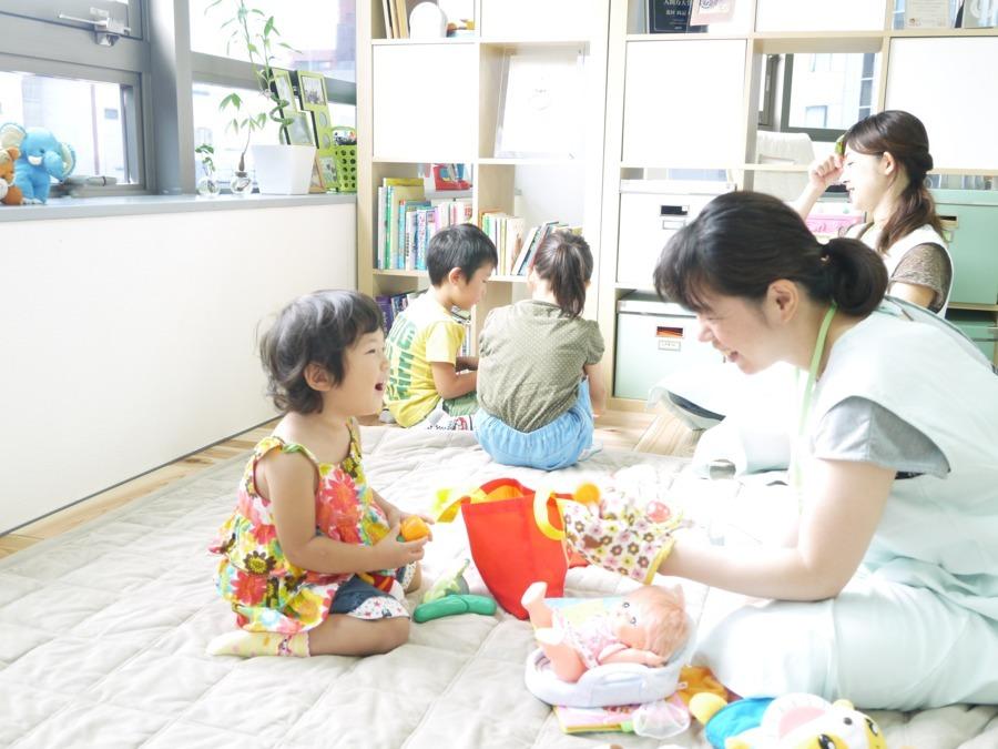 認定NPO法人ノーベル(吹田市エリア)(看護師/准看護師の求人)の写真3枚目:お子さんとじっくり向き合って頂ける1対1の保育