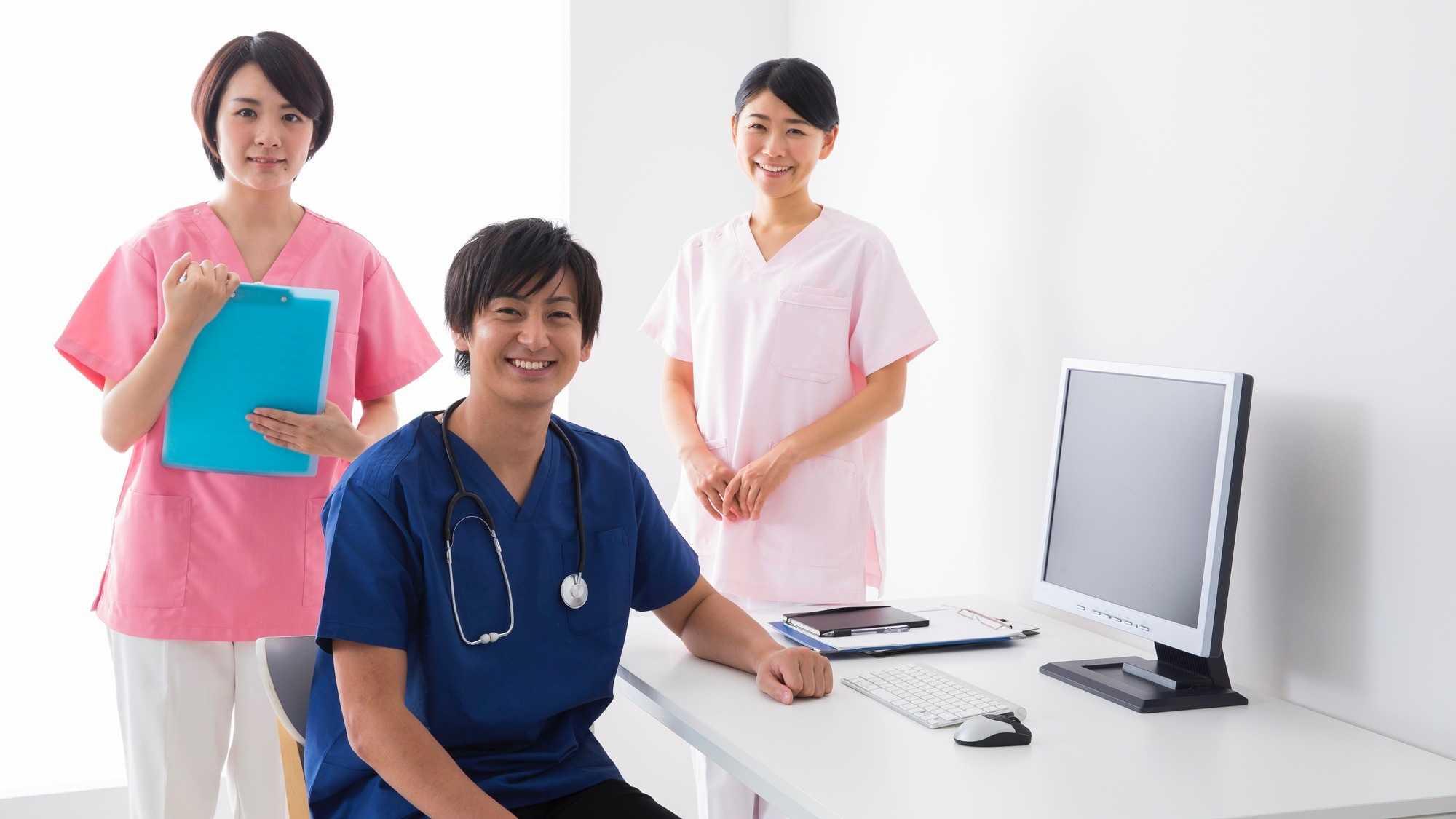 HCU(高度治療室)で働く看護師
