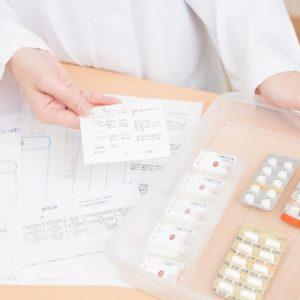病院薬剤師と薬局薬剤師、働き方や人数はどう違う?