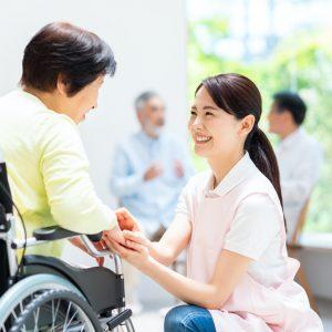 介護福祉士資格をめざすなら、介護職員実務者研修の早めの受講を