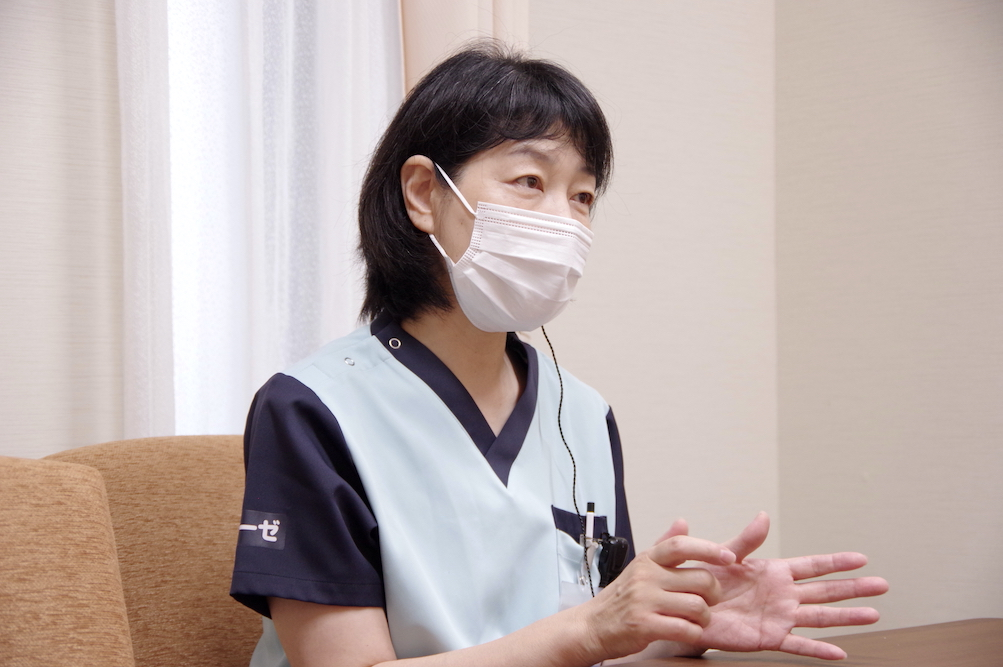 看護師 田村さん 取材中の様子