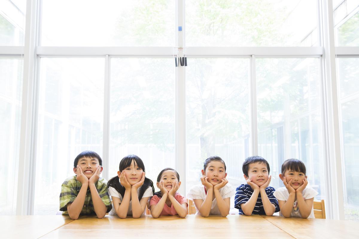 放課後児童クラブ(学童保育)とは? 運営基準とその実態、必要な資格について解説