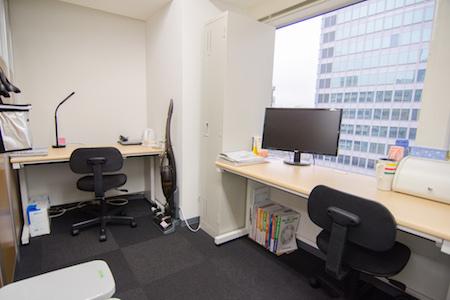 新六本木クリニック事務室