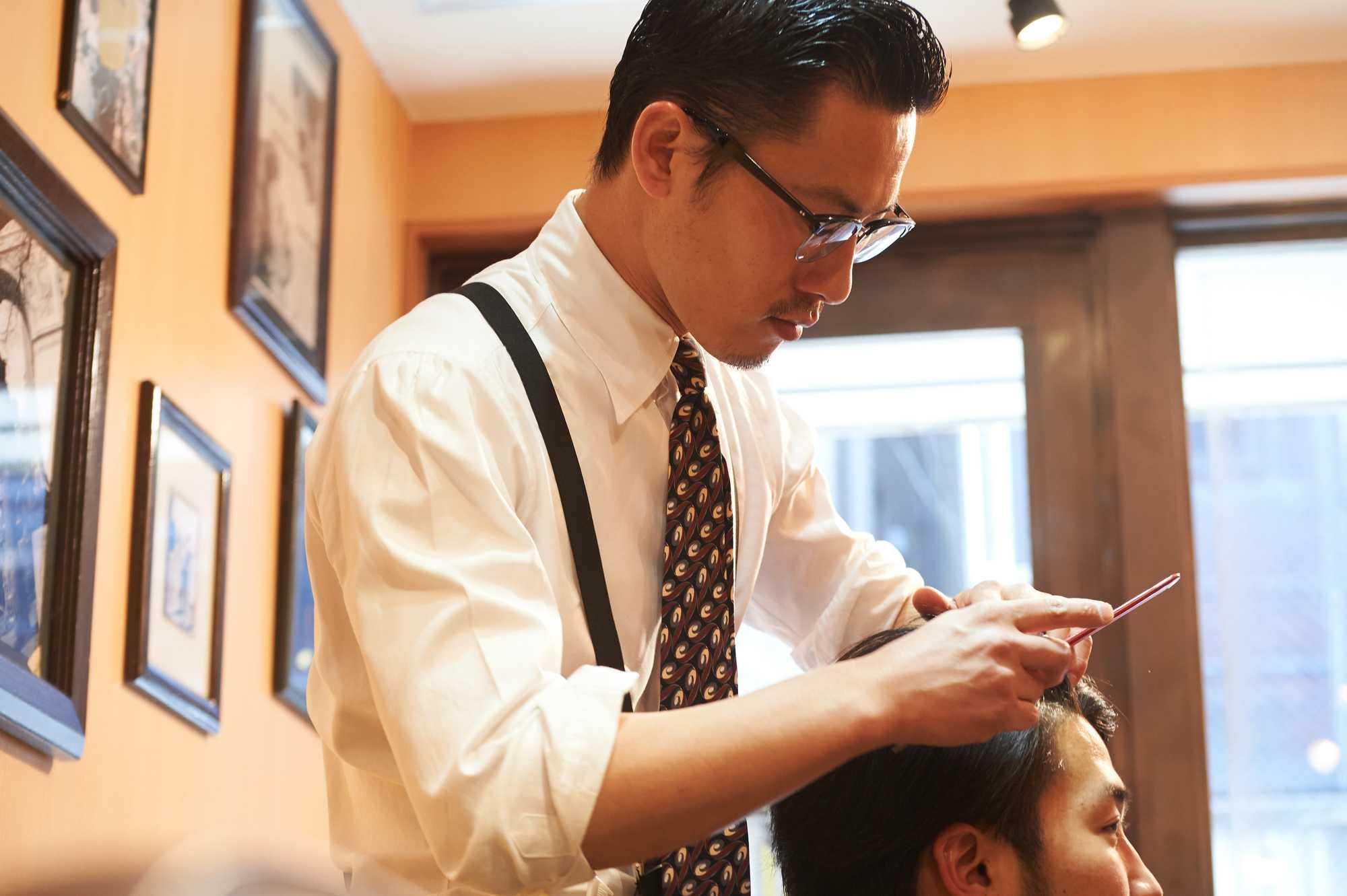 2021年最新版】理容師の仕事、なり方、働く場所、給与、将来性、美容師 ...